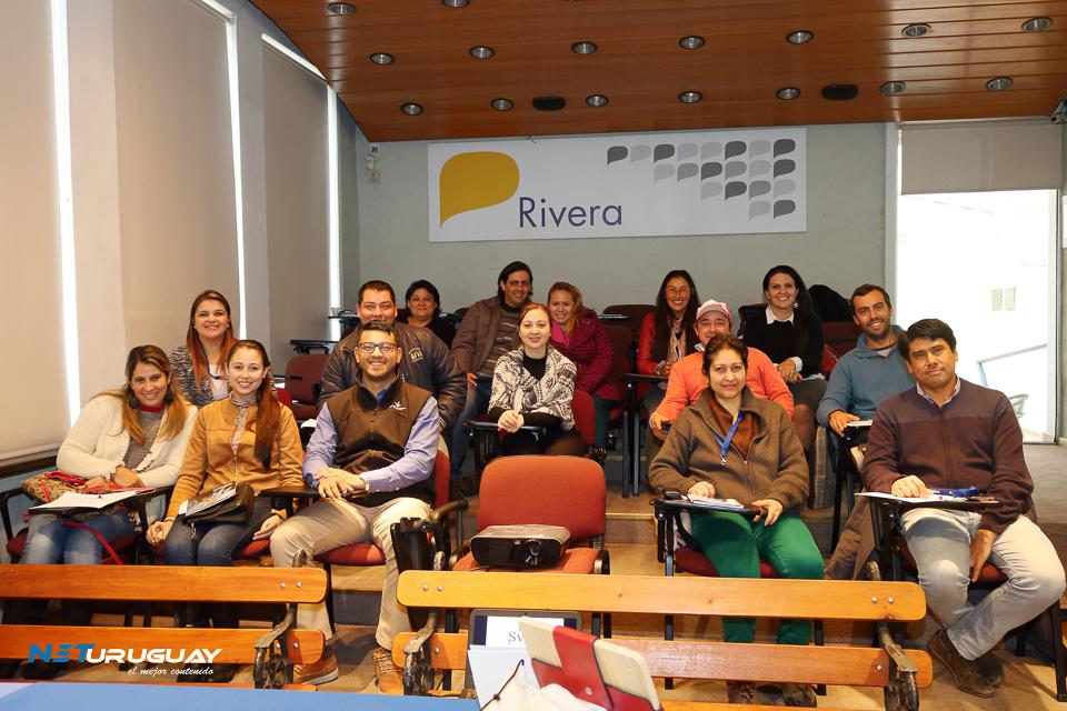 Conferencia sobre Herramientas de gestión para PYMES en la ciudad de Rivera
