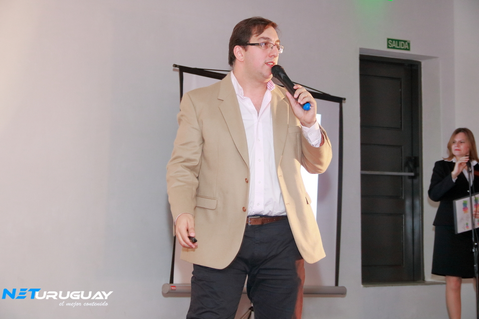 """El Cr. Alexei Yaquimenko participó en """"Yo Emprendo"""", organizado por estudiantes de UTU"""