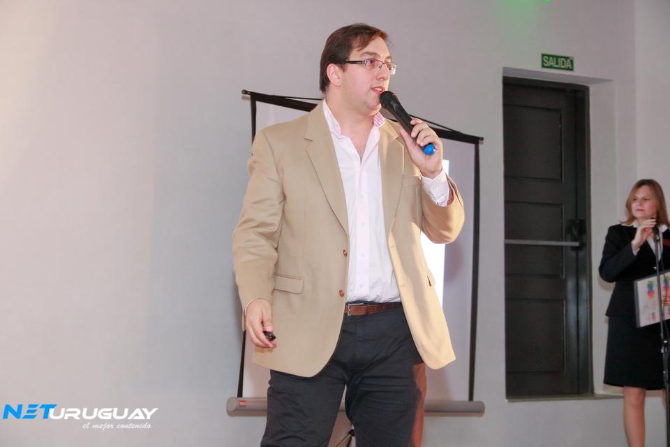 El Cr. Alexei Yaquimenko participó en «Yo Emprendo», organizado por estudiantes de UTU