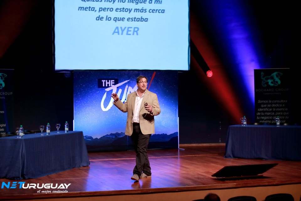 El Cr. Alexei Yaquimenko realizó una emotiva y motivacional charla en The Jump Event